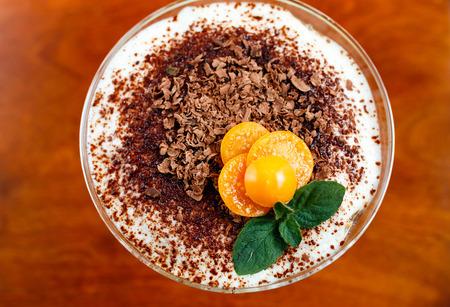 tiramisu: Tiramisu dessert dans le verre