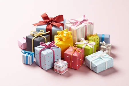 Cute gift boxes on pink background.  Cute Gift boxes with Cute bow.   Banco de Imagens
