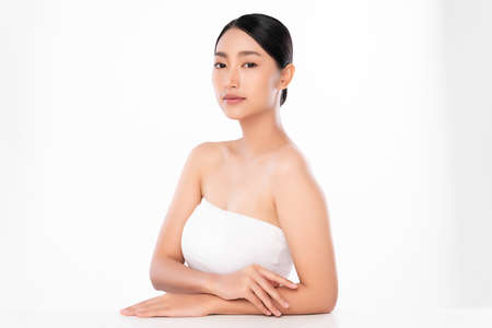 Beautiful young asian woman with clean fresh skin on white background, Face care, Facial treatment, Cosmetology, beauty and spa, Asian women portrait Foto de archivo - 155093242