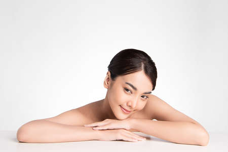 Beautiful young asian woman with clean fresh skin on white background, Face care, Facial treatment, Cosmetology, beauty and spa, Asian women portrait Foto de archivo - 155408204