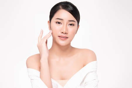 Beautiful young asian woman with clean fresh skin on white background, Face care, Facial treatment, Cosmetology, beauty and spa, Asian women portrait Foto de archivo - 155432414