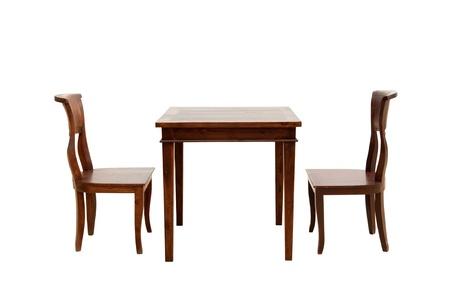 muebles de madera: silla de madera y una mesa aislada en el fondo blanco