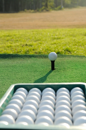実際にゴルフボールの入ったバケツ 写真素材