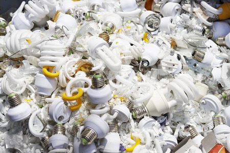 junkyard: Damage light bulb on junkyard