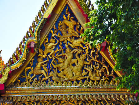 Wat Po,History of Phra Chetuphon Temple, built since the Ayutthaya period The reign of King Rama I, the Great Sky, to re-establish this temple in the year 1788, completed in 2344.