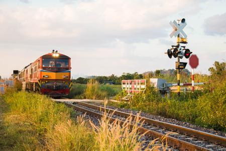 trein en spoorweg met vintage toning Stockfoto