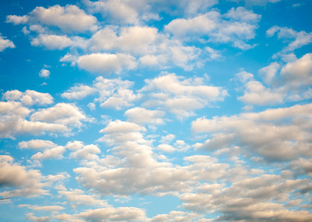 atmosfera: The atmosphere of White Clouds and Blue Sky background