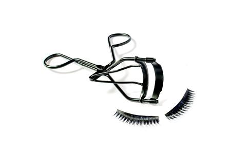 false eyelash: fashion fake false eyelash and eyelash curler isolated on white background Stock Photo