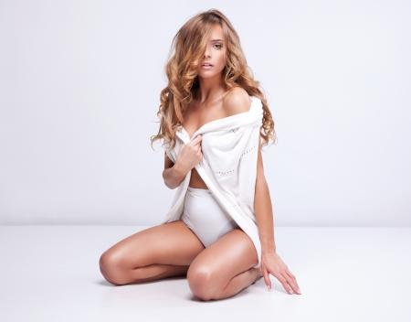 labios sexy: Retrato de mujer de moda en el spa Foto de archivo