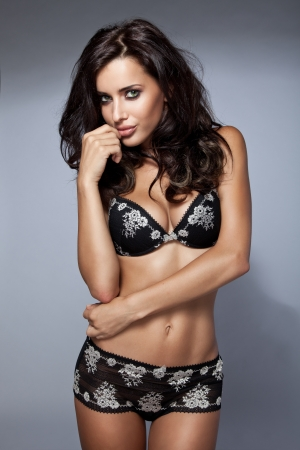 Sexy brunette donna in lingerie photo
