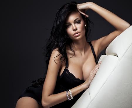 Güzel esmer kadın moda portre Stock Photo