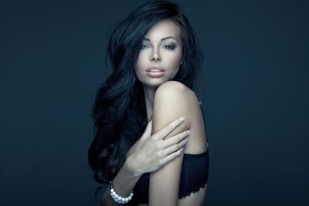 chica sexy: Retrato de mujer morena