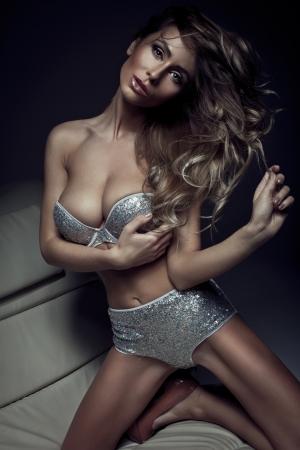 Mulher bonita da forma Imagens