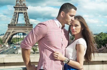 若いカップルが互いを愛する 写真素材