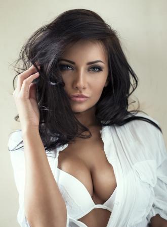 sensual: Retrato da forma da mulher bonita