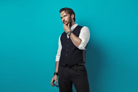 chaqueta: Hermoso hombre el pensamiento