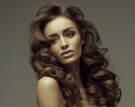 woman hairstyle: Fashion portrait