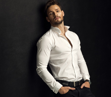 Retrato de homem bonito