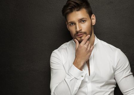 handsome men: Uomo handsome