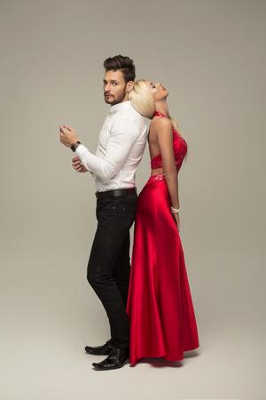 sexy kiss: Beautiful couple posing