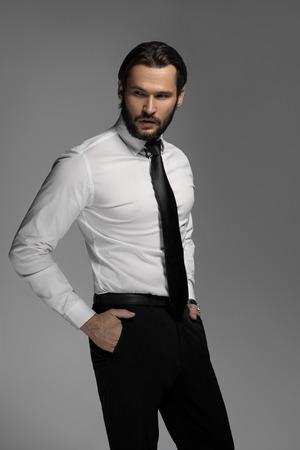 suit: Hombre de negocios de moda Foto de archivo