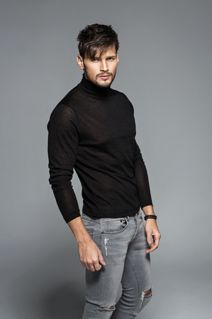 modelos hombres: Moda modelo posando