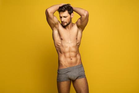 männer nackt: Sexy Male Model In Unterwäsche