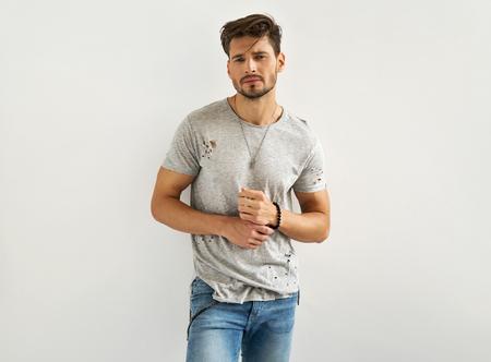 섹시한 남성 모델