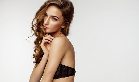 mujer rubia desnuda: Beauty portrait of female face