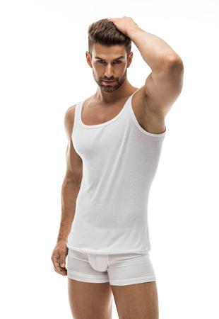 Sexy mannelijk model in ondergoed