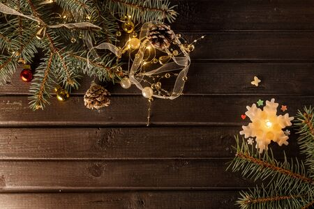 Christmas background on a wooden table Banque d'images - 138469605