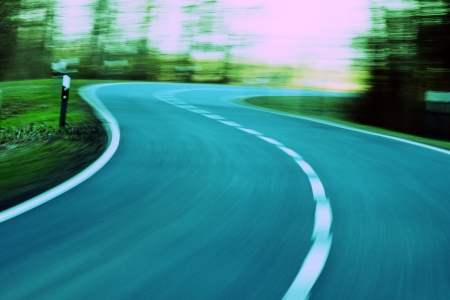 incartade: vitesse - conduite � haute vitesse dans la rue