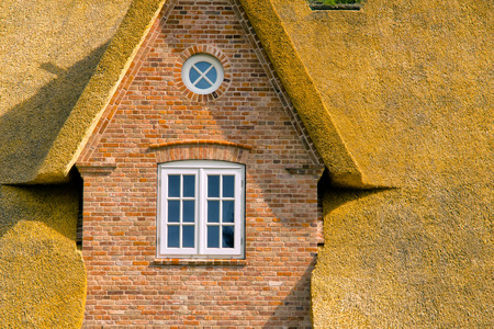 Gable roof - The gable of a thatched house