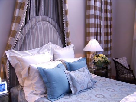 bedroom - bed with headboard