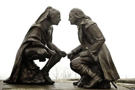 george washington: Monumento de S�neca l�der Guyasuta y George Washington llamado el punto de vista en el monte. Washington, con vistas a los tres r�os en la ciudad de Pittsburgh, que se conoce como El Punto