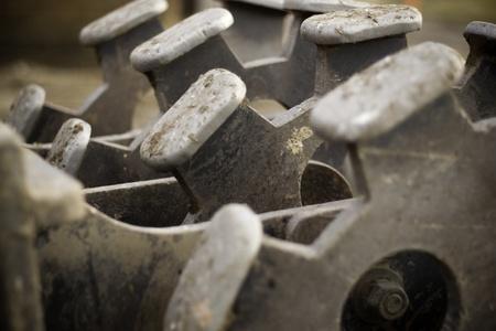 trackhoe 건설 및 건물에 대한 롤 분쇄기 부착 스톡 콘텐츠
