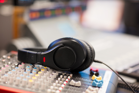 Headphones on Sound Mixer In Professional Radio Studio Imagens