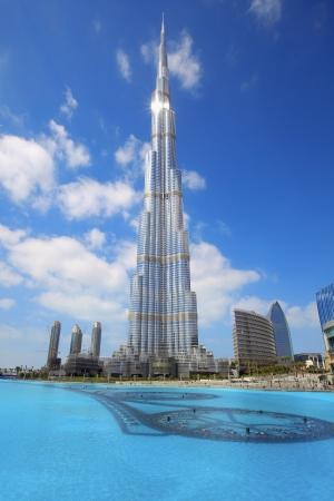 DUBAI, UAE - FEBRUARY 19: Burj Khalifa, the worlds tallest building at Sheikh Zayed Road taken February 19, 2011 in Dubai, United Arab Emirates. Burj Khalifa is 828m high.