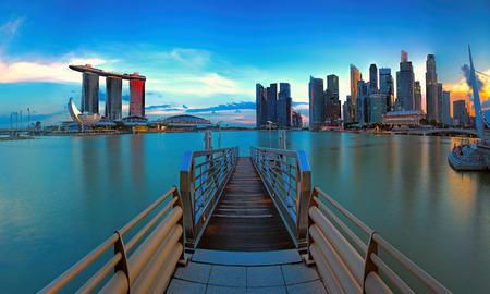 marina: Singapore skyline