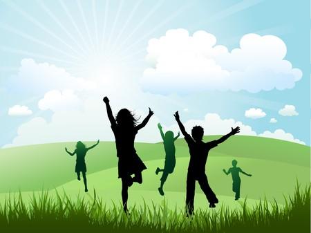 silueta niño: Siluetas de los niños que se ejecuta y jugando en una colina