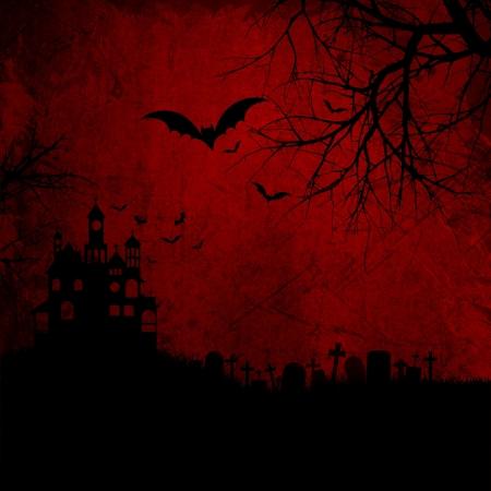 Gedetailleerde rode grunge Halloween achtergrond wtih spooky vleermuizen en spookhuis Stockfoto