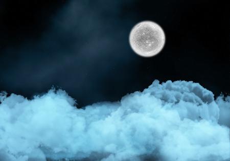 noche y luna: Fondo del cielo nocturno con luna de ficción sobre las nubes