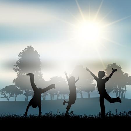 jugando: Siluetas de niños jugando en el campo