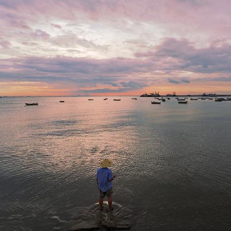 chapeau de paille: Un chapeau de paille pêcheurs Banque d'images