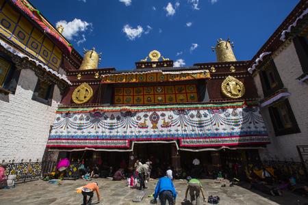 pilgrimage: Jokhang temple pilgrimage