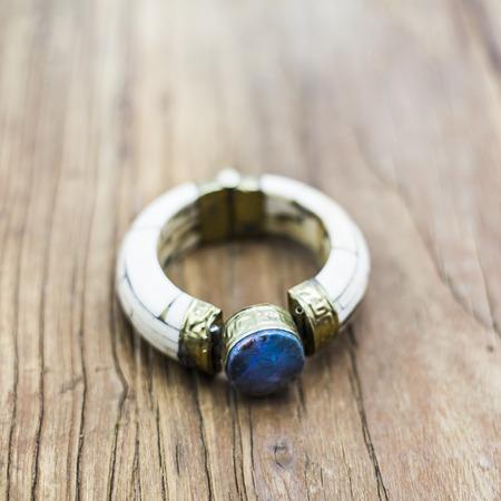 zafiro: pulsera de marfil Sapphire