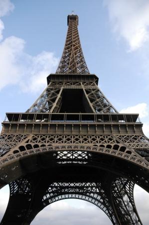 Eiffel Tower isolated over blue sky Zdjęcie Seryjne