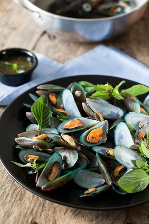 scald: scald mussel with thai sweet basil and spicy seafood sauce