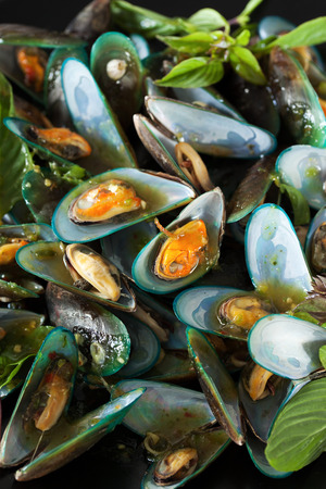 scald: scald mussel pour with spicy seafood sauce