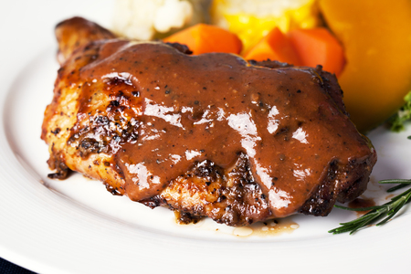 pepe nero: chicken steak with black pepper sauce and vegetable